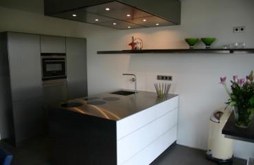 Keuken in edelstaal, Amsterdam